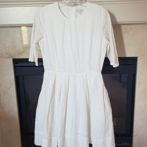 GAP Dresses & Skirts - NWT white eyelet dress with pockets from the Gap